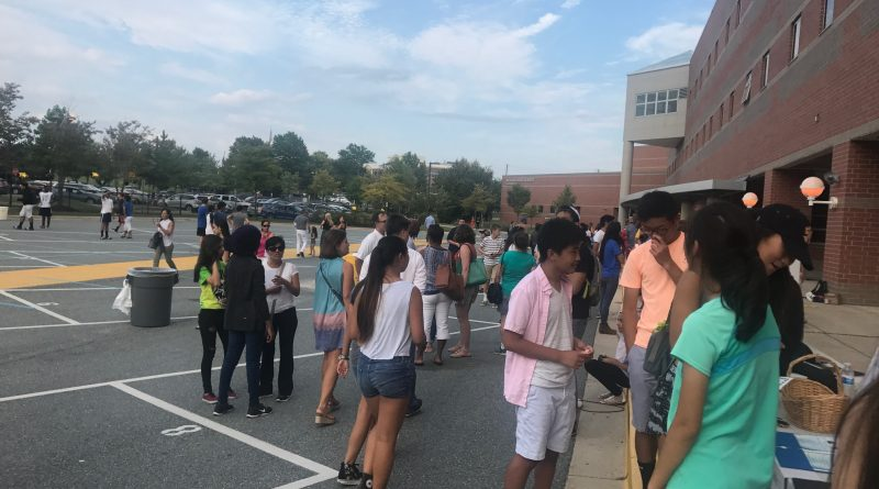 Freshman barbecue anticipates new beginnings for clubs and freshmen alike